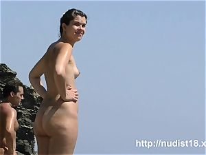 i love to be nude on the bare beach
