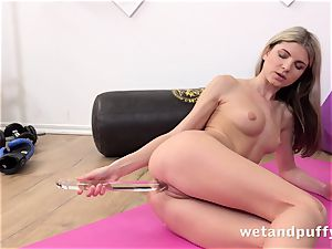 humid juicy fuckbox with yoga stunner Gina Gerson