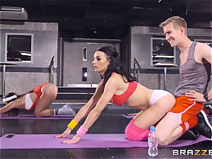 hard-core workout with Sophia Laure