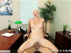 fantastic adult assistant Rhylee Richards seduces her married chief in the office