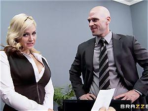 Generous boss ravages molten assistant Sarah Vandella