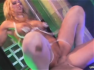 splashing away at her luxurious labia in a 3some
