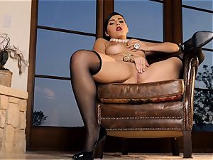 sultry stunner Valentina Nappi looks unbelievable as she plays