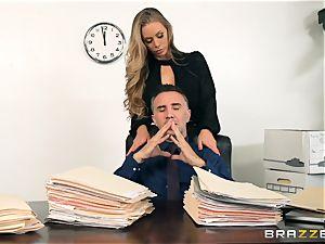 secretary Nicole Aniston screwed in the pussyhole