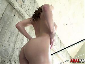 mega-slut gets booty railed