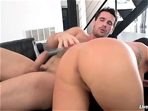 LiveGonzo Jenna Presley insatiable cougar Gets plowed