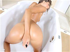 Givemepink sumptuous solo model Maria Rya pleasures herself masturbating