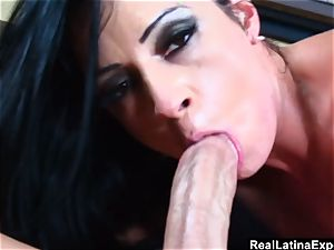 meaty butted Latina Gets Face boned