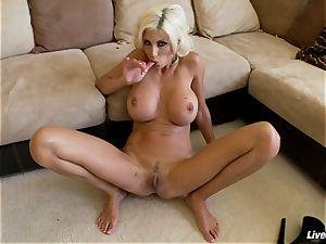 LiveGonzo Puma Swede girl-on-girl mummy fucks Solo