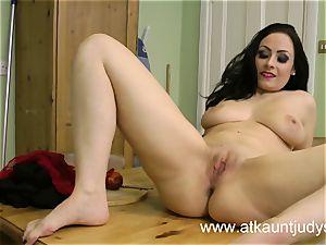 Sophia Delane looks steamy in her lingerie