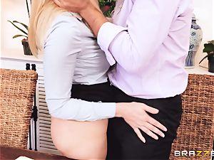 Giselle Palmer super hot stiff vulva shag
