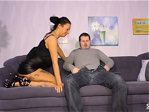 SEXTAPE GERMANY - unexperienced German babe gets nailed