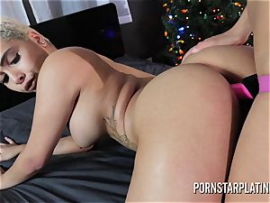 Eve Ellwood pulverizes Aaliyah Hadid rectally with a wire on XMAS