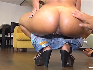 CARNE DEL MERCADO - Pickup and pulverize with Latina babe