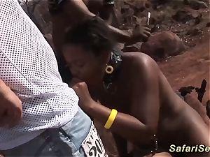 threeway african safari sex