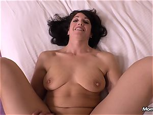 guiltless brunette cougar hotwife internal cumshot dream