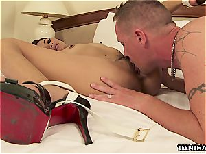 Thai lady getting her widely opened fuckbox boned