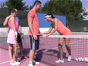 Antonia Sainz and Ana Rose In A Sporty fellatio Frousome