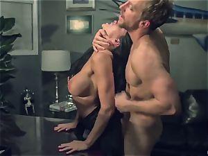 Horror fetish porn. The skimpy housewife Romi Rain was ambushed