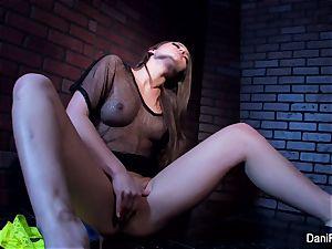 puny hottie Dani Daniels fingers her cock-squeezing pussy