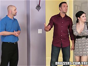 Brazzers - Sativa Rose - fuckin' Newlyweds!