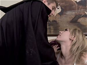 Horror flick plumbing with gorgeous Lily Labeau