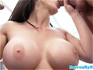 Bigtitted rich stunner spitroasted and creamed