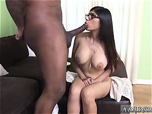 Arab guy drill maid and deepthroating spunk-pump first-ever time Mia Khalifa tries A fat black wood
